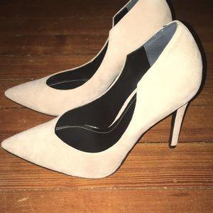 Kendall & Kylie new Abi beige suede heels